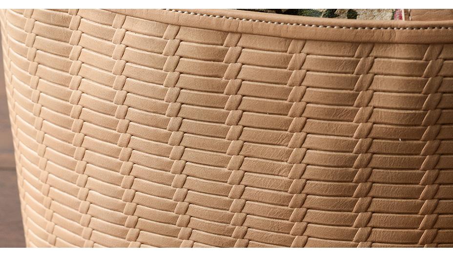 かご編み風の立体的な型押し
