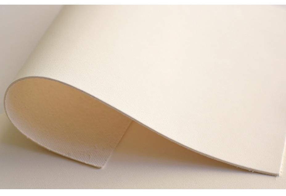 ありのままに写す白い革