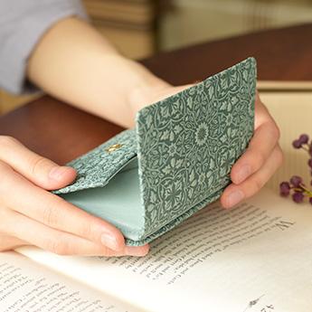モリス BOX付き二つ折り財布<ターコイズ>