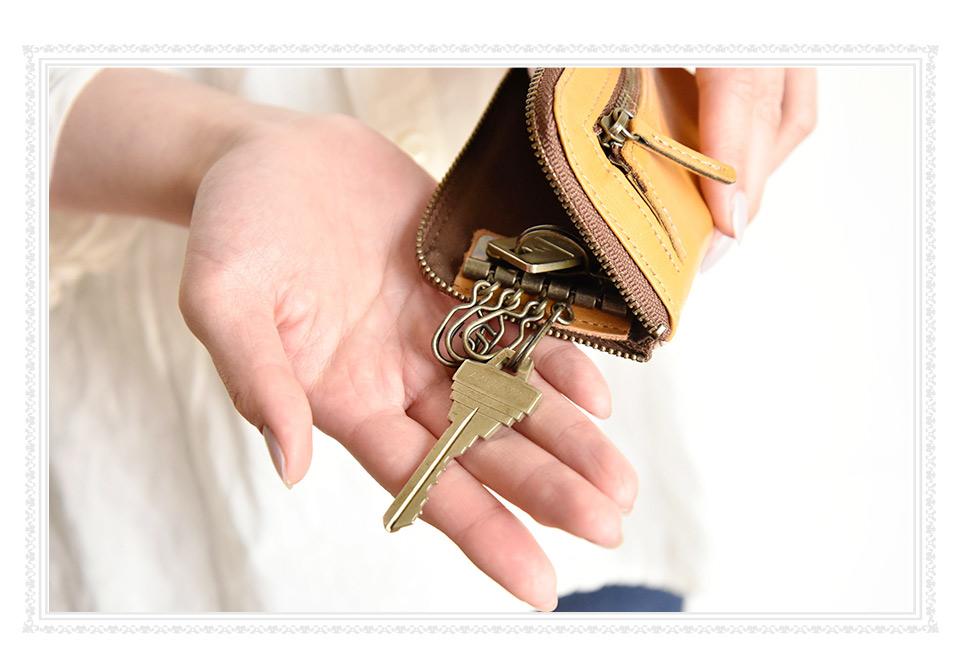 付属のキーリングに鍵を付けた様子