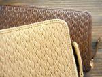 HIRAMEKI.の中では、定番となったラウンドファスナー長財布。中身の見やすさと抜群の収納力が特長です。