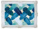 フェザーカーテンは、メーテルリンクの童話「青い鳥」と出会った少女をイメージしたデザインです。